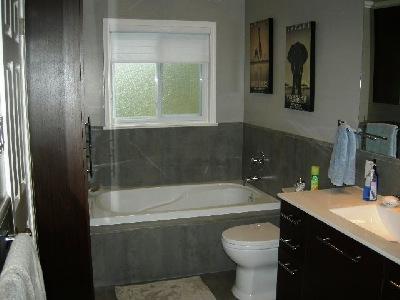 Laurelwood Kitchen Bath